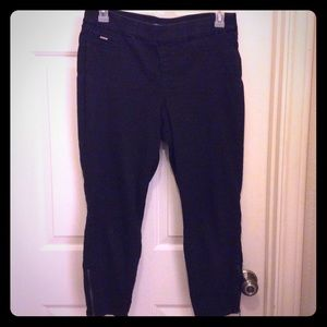 Nine West 12 black Heidi pull skinny crop zip leg